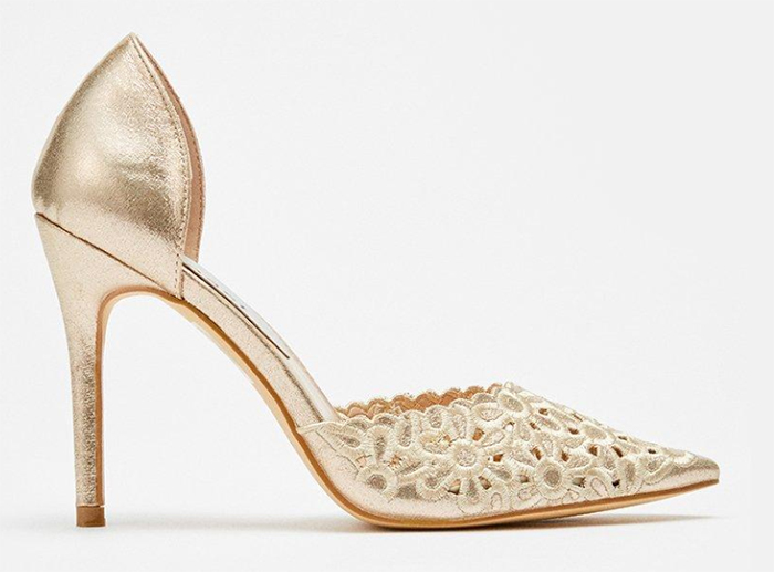 Gold Mother of the Bride Shoes 2020. Mother of the Bride Shoes for Winter weddings 2020. Wedding Guest Outfits 2020. Mother of the Bride Outfits 2020, Shoes for Mother of the Bride 2020. Mother of the Groom Shoes 2020. Best Mother of the Bride Shoes 2020