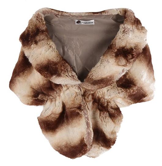 How to wear Animal Print. Animal Print Faux Fur Stole. Animal Print Clothes. What to wear with Animal Print. Autumn Winter Fashion Trends. Fashionable Winter outfits