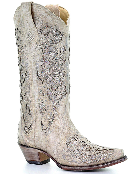 Corral Cowboy Boots. Cowboy Boots for Weddings. Cowboy Boots for Cowgirls Wedding. Cowboy Bride. Cowgirl Bride. Ivory Cowboy Boots. Winter Wedding Bridal Boots. Ideas for Cowgirl Wedding. Winter Wedding Shoes.