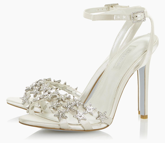 High Heel Bridal Shoes 2020. Ivory Bridal Shoes 2020. Crystal Bridal Shoes 2020. Shoes for a winter wedding. Shoes for a Autumn Wedding 2020. Best Bridal Shoes 2020. Mid Priced Bridal Shoes 2020.