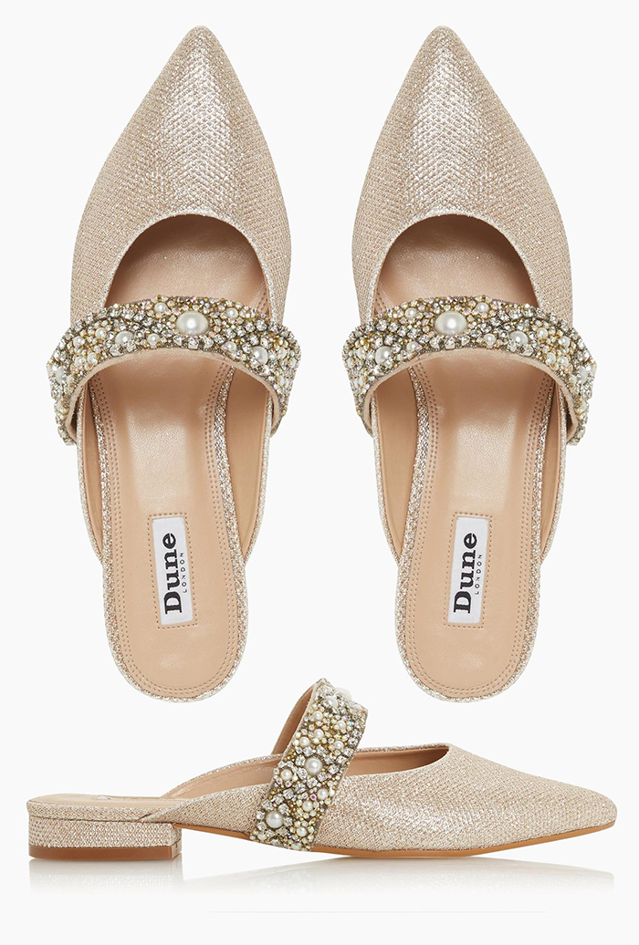 Champagne Gold Flat Bridesmaids Shoes 2020. Gold Bridal Shoes 2020. Champagne Gold Bridesmaids Shoes 2020. Cheap Bridesmaids Shoes 2020. Bridesmaids Shoes under £100.00. Bridesmaids shoes for a Summer wedding 2020. Summer Wedding Bridesmaids ideas 2020.