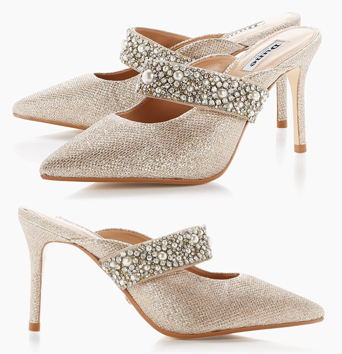 Champagne Gold Crystal Bridesmaids Shoes 2020. Swarovski Crystal Bridesmaids Shoes 2020. Crystal Bridesmaids Shoes 2020. Medium Heel Bridesmaids Shoes 2020. Shoes for an Autumn Wedding 2020. Best Bridesmaids Shoes for Autumn 2020. Gold Glitter Shoes 2020.