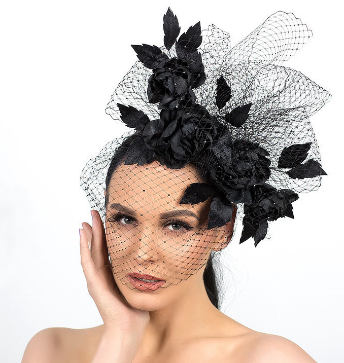 Black Fascinators. What to wear for an Autumn Wedding 2020. Fall Wedding Guest Outfit ideas 2020. Fall Fashion Fascinator. Fascinator with Roses 2020. What to wear to a Winter Wedding 2020. Winter Wedding Guest Fascinators 2020.