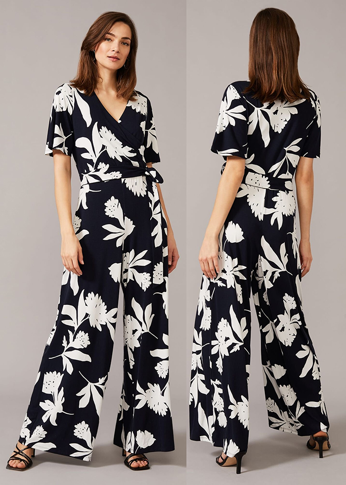 New Jumpsuits 2020. Floral Jumpsuits 2020. Phase Eight Jumpsuits 2020. Autumn Fashion 2020. Jumpsuits for an Autumn Wedding Guest 2020. What to wear for an Autumn wedding 2020. Autumn Wedding Outfits 2020. What to wear for an October Wedding 2020. What to wear to a late Summer wedding 2020. Autumn Fashion outfits 2020.