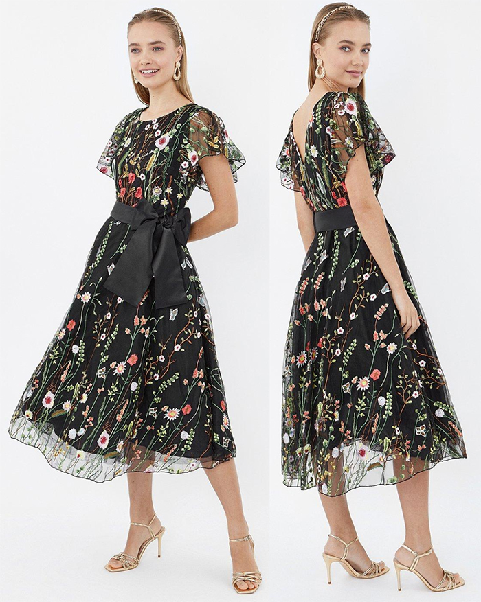 Floral Dress for an Autumn Wedding 2020. Floral Wedding Guest Dress 2020. What to wear for an Autumn wedding 2020. Autumn Wedding Outfits 2020. What to wear to an Autumn wedding UK. Weddings Rescheduled until Autumn 2020.