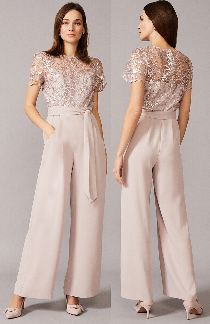 Lace Jumpsuit for an Autumn Wedding 2020. Autumn Winter Fashion 2020, What to wear to an Autumn wedding 2020. What to wear for a October Wedding 2020. Autumn Wedding Guest Outfits 2020. Neutral Colour Jumpsuit 2020. Pretty Jumpsuits for Autumn 2020.