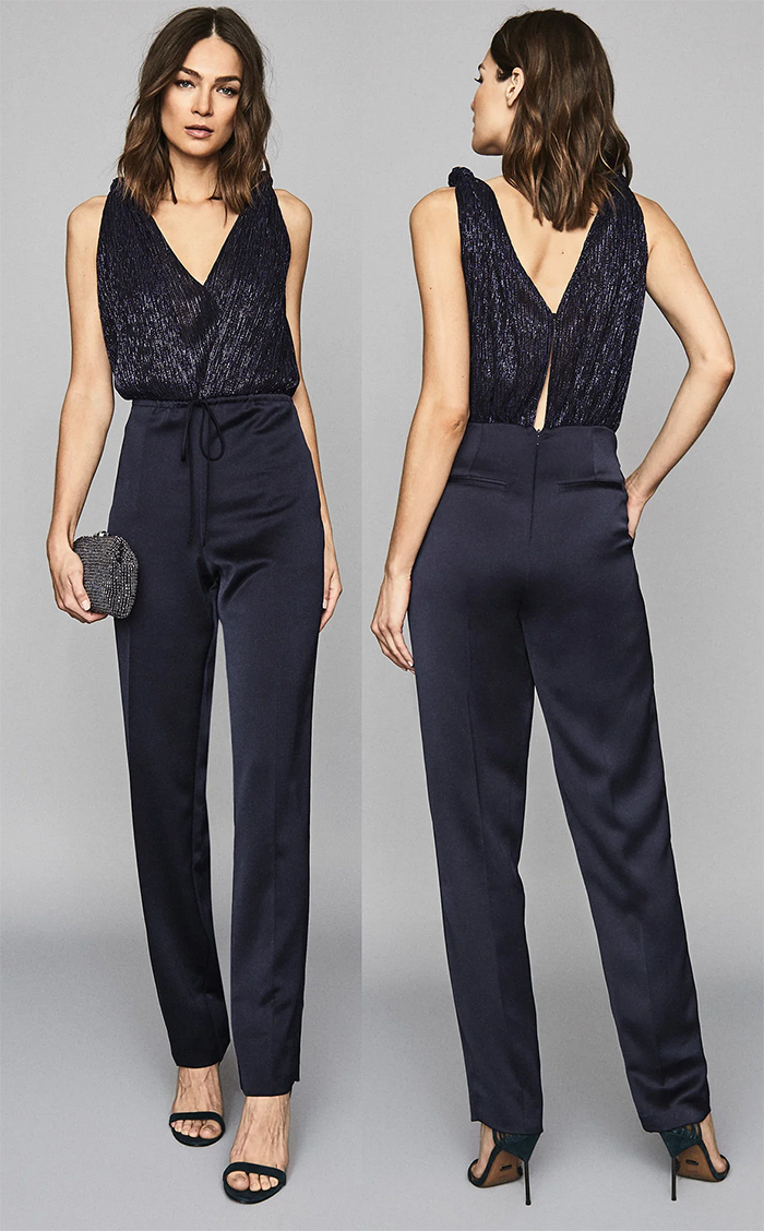 Navy Jumpsuit for an Autumn Wedding 2021. Autumn Winter Fashion 2021, What to wear to an Autumn wedding 2021. What to wear for an Autumn Wedding 2021. Autumn Wedding Guest Outfits 2021. Reiss Navy Jumpsuit. Navy Jumpsuits for Autumn 2021.