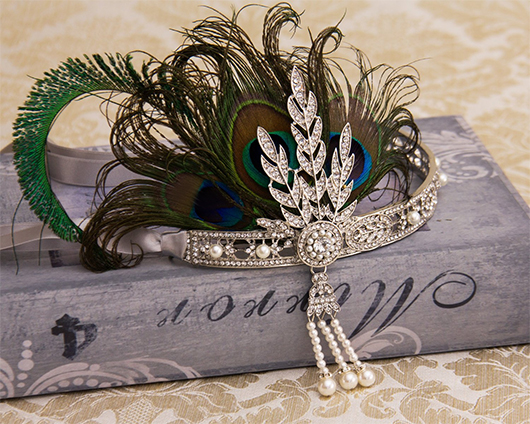 Peacock and Crystals Headband. What to wear to a Gatsby Party. Gatsby Party Outfits. Flappergirls Outfits. Gatsby Halloween Party Outfits. What to wear to a 20's theme New Years Eve Party. 1920s Fashion Ideas and Inspiration. How to Wear 20's Fashion