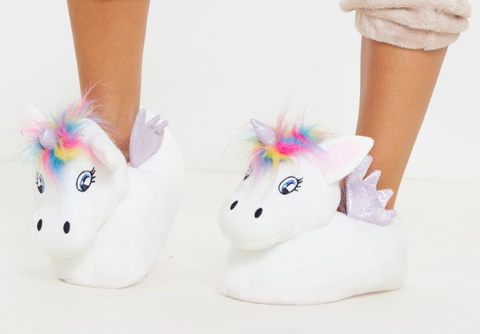 Gift ideas for Mum. Pom Unicorn Slipprs. Christmas Gift Ideas. Unicorn Gift Ideas. Gifts for Mothers Day. Pamper Mum Gifts. Christmas Gift Ideas