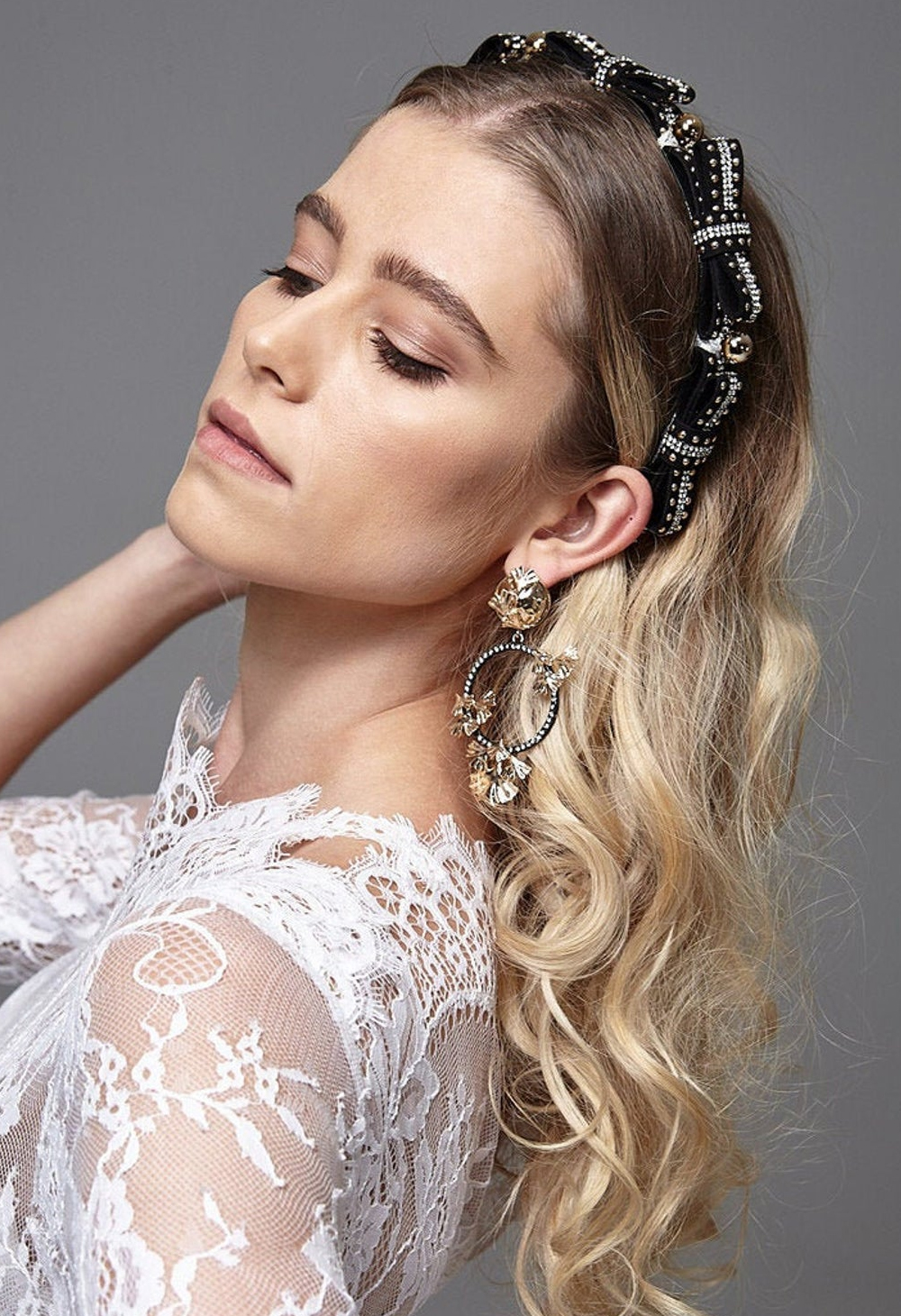 Black Bow Embellished Headband 2020. Winter Embellished Headbands 2020. Bow embellished Headbands 2020. Best Padded Headbands 2020. Best Embellished Headbands 2020. Padded headbands trend 2020.