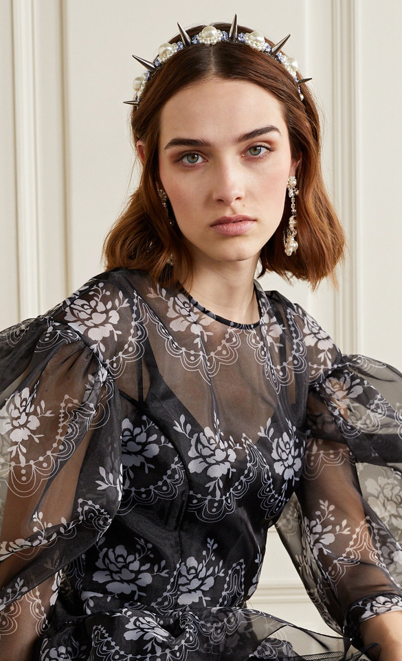 Simone Rocha Headbands 2020. Best Embellished Headbands 2020. Pearl Bridal Headband 2020. Pearl Embellished Headbands Summer 2020. Luxury Headbands 2020. Best Designer Headbands 2020.