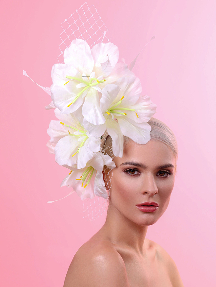 Hats for the Kentucky Derby. Lillies for the Filles Kentucky Oaks outfits 2021. Spring Wedding guest outfits. Outfit ideas for Kentucky Oaks. What to wear for the Kentucky Oaks 2021.