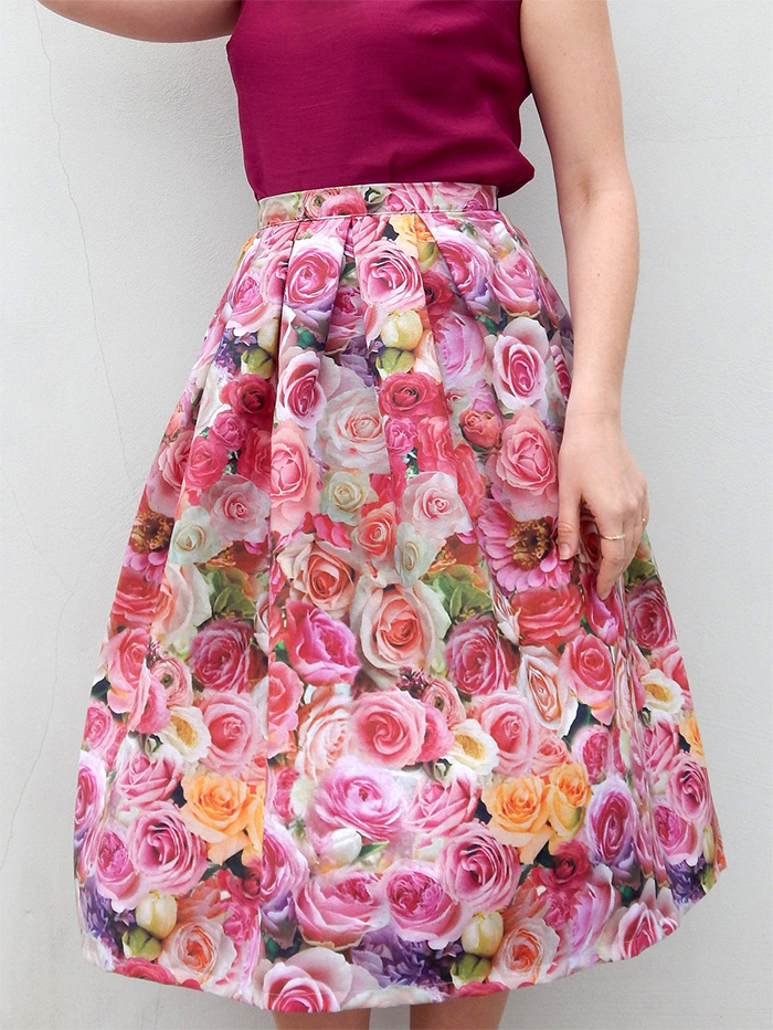 Rose Skirts for the Kentucky Derby 2021. Pink Roses outfits for Kentucky Oaks 2021. Outfits for a Summer Wedding Guest 2021. Handmade Floral Skirts 2020. A Line Floral Skirts 2020. 50's Style Kentucky Derby Outfit Ideas 2020. Floral Fashion outfits 2020. Summer Wedding outfit ideas 2020.