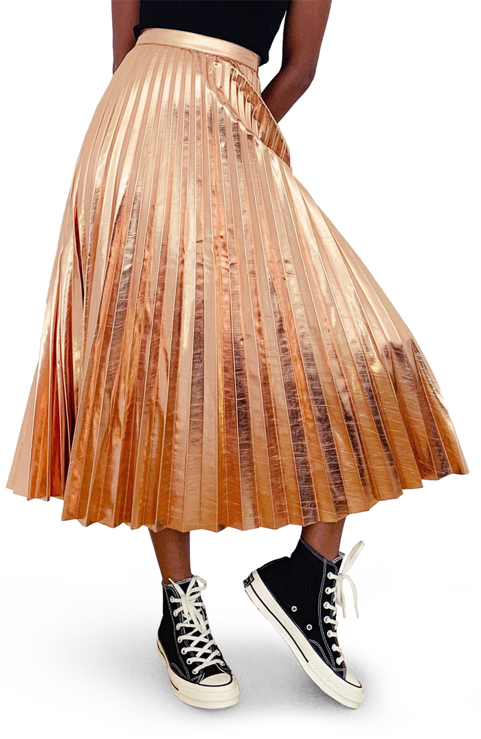 Rose Gold pleated skirt 2020. Rose Gold outfit ideas 2020. How to wear Rose gold 2020. Winter Pleated Skirts 2020. Rose Gold Autumn outfit ideas 2020. Faux Leather Pleated Skirts 2020.