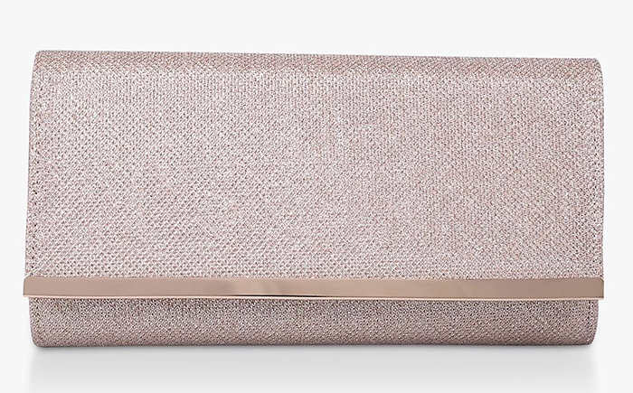 Champagne Gold Clutch Bag for weddings 2021. Cheap Mother of the Bride Clutch Bags 2021. Mother of the Bride Outfits 2021, Wedding Outfits for Mother of the Bride 2021. Champagne Gold Mother of the Bride Clutch Bag 2021. Wedding outfit ideas 2021.