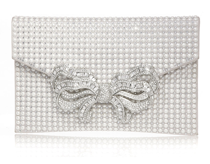 Judith Leiber Crystal Clutch Bags 2021. Silver Mother of the Bride Outfits 2021. Crystal Mother of the Bride Bags 2021. Luxury Clutch Bags for Spring Weddings 2021, Mother of the Bride Outfits. Crystal Clutch Bags. What to wear to a Summer Wedding 2021.