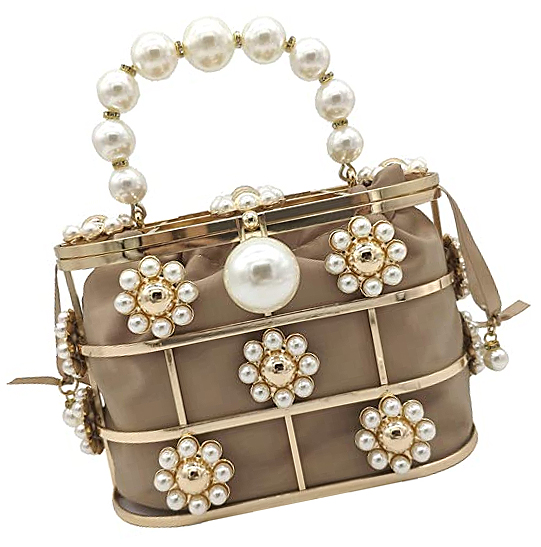 Pearl and Beige Clutch Bag for weddings 2021. Cheap Clutch Bags for weddings 2021. Mother of the Bride Outfits 2021, Wedding Outfits for Mother of the Bride 2021. Beige Clutch Bag 2021. Spring Wedding outfit ideas 2021.