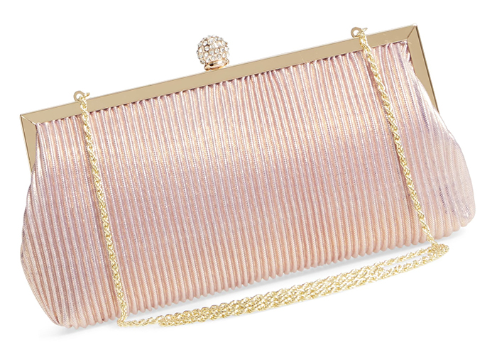 Rose Gold Clutch Bags 2020. Handbags for Weddings. Autumn Wedding Outfits 2020. Mother of the Bride Outfits for Autumn Weddings USA. Blush Pink Clutch Bag 2020. Rose Gold Mother of the Bride Outfits 2020. Rose Gold wedding ideas 2020.