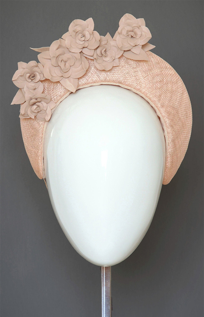 Peach Thick Headband. Pink Pink Hat. Peach Fascinator. What to wear for Summer Horse Racing. How to wear Pastels. What to wear with a Peach Dress.