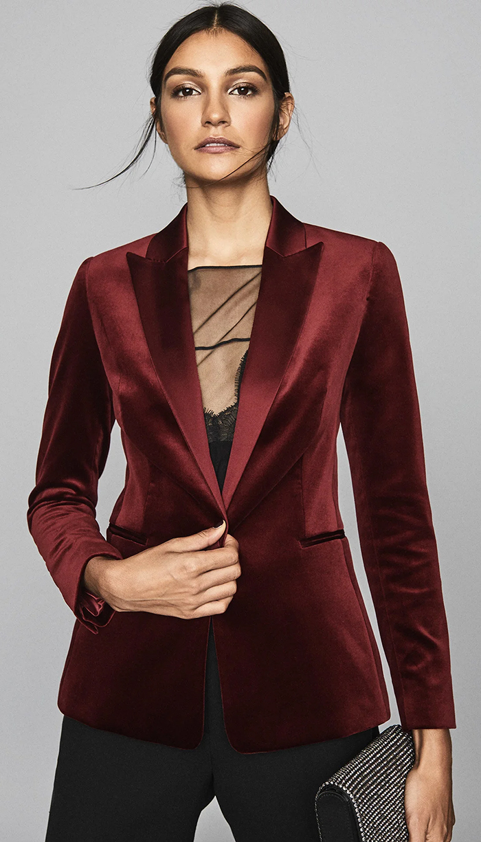 Reiss Claret Velvet Blazer. Velvet Fitted Jacket. Velvet Womens Blazer. Autumn Winter Fashion 2021. Christmas Party Outfit ideas. Winter Wedding Guest Outfit ideas.