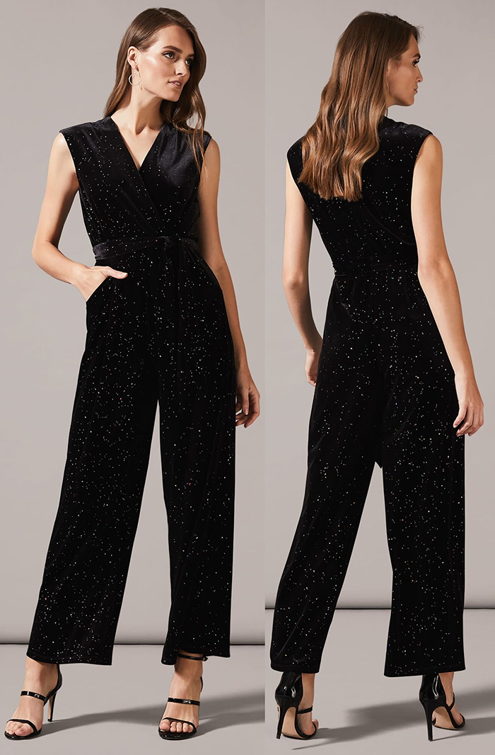 Black Velvet Jumpsuit 2020. What to wear for a Winter Wedding 2020. Jumpsuits for Winter Weddings 2020. Winter Wedding Guest Outfits 2020. Velvet Jumpsuit for Christmas Wedding 2020. Black Velvet jumpsuits 2020. Christmas Party outfit Inspiration 2020. Winter Fashion 2020.