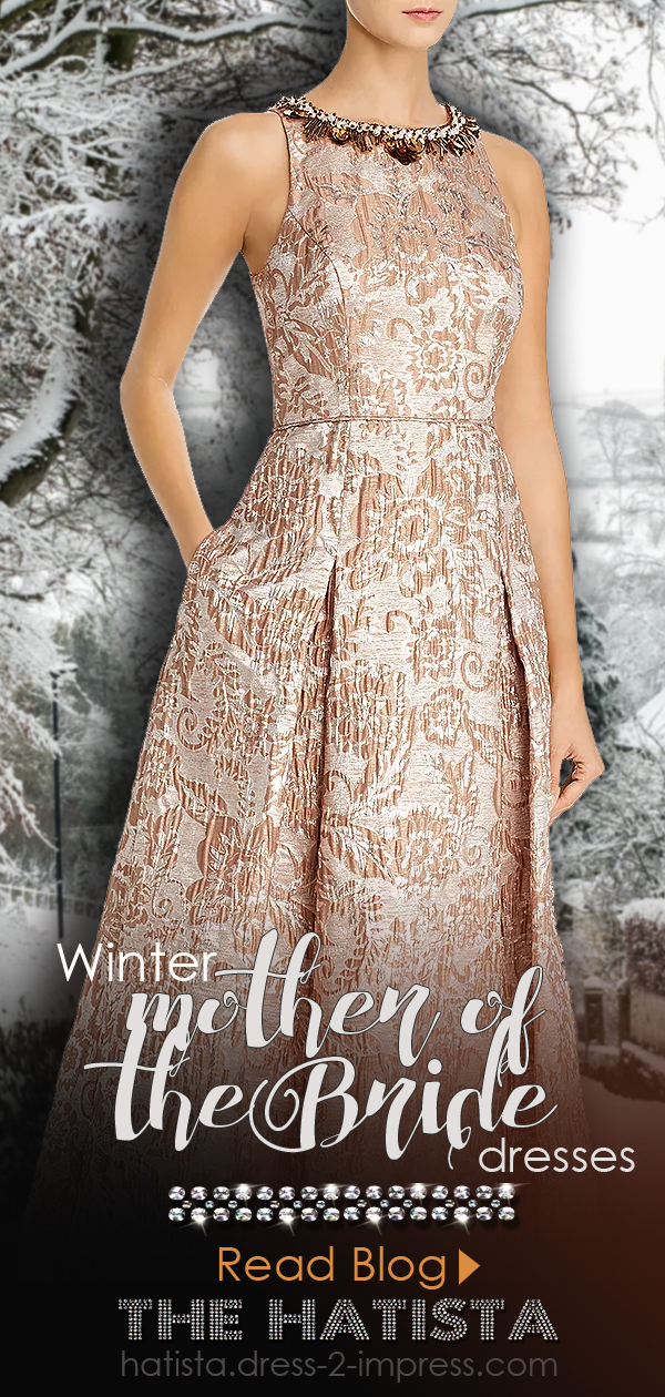 Winter Wedding Mother of the Bride Outfit Ideas. What to wear to a winter wedding. Dresses for a Winter Wedding Mother of the Bride. Fashion Blog for Winter Weddings. Winter Mother of the Bride outfit ideas. Long Floral Jacquard Mother of the Bride Dress.