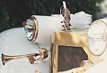 Ideas for a Gatsby or Downton Abbey Theme Wedding