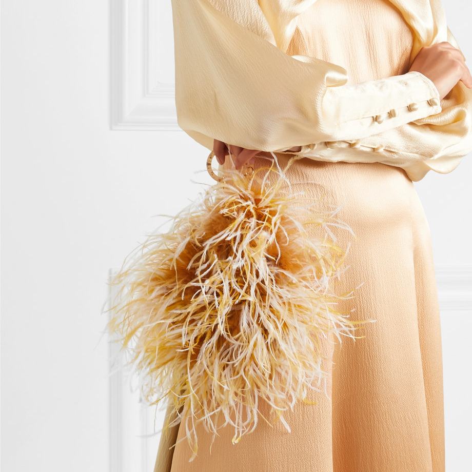 Champagne Gold Mother of the Bride Outfit. Champagne Gold Mother of the Bride Bag. Feather handbag. Champagne Gold Bridal Bags. Bridal Bags with Feathers. Best Mother of the Bride Handbags. Best Mother of the Bride Clutch Bags.