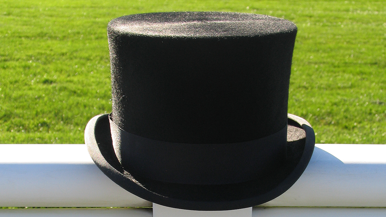 Fur Melusine Top Hat Hire for Royal Ascot. Royal Ascot Top Hats. Mens Hats for Royal Ascot. Where can you Hire a Top Hat.