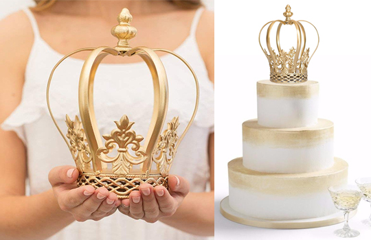 Ideas for a Mardi Gras Wedding, Mardi Gras Cake Toppers, Mardi Gras Brides. Mardi Gras wedding ideas. Gold Crown Cake Topper.
