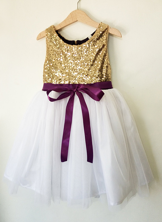 Gold Sequin Flower Girls Dress. Mardi Gras Wedding ideas. Mardi Gras outfits. Mardi Gras Flower Girls Dresses. Mardi Gras Bridesmaids. Planning a Mardi Gras Wedding