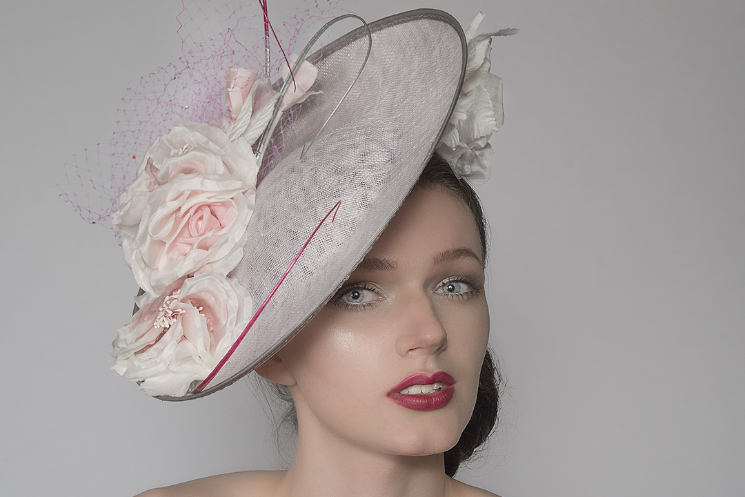 Outfit ideas for the Kentucky Derby. Kentucky Derby Outfits. Kentucky Derby Hats, Hats for the Derby. Hats for the Races